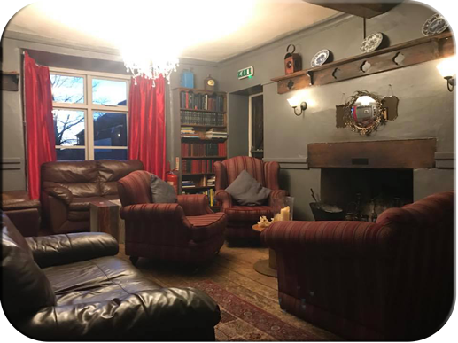 Royal Oak, Cromhall - Library Lounge